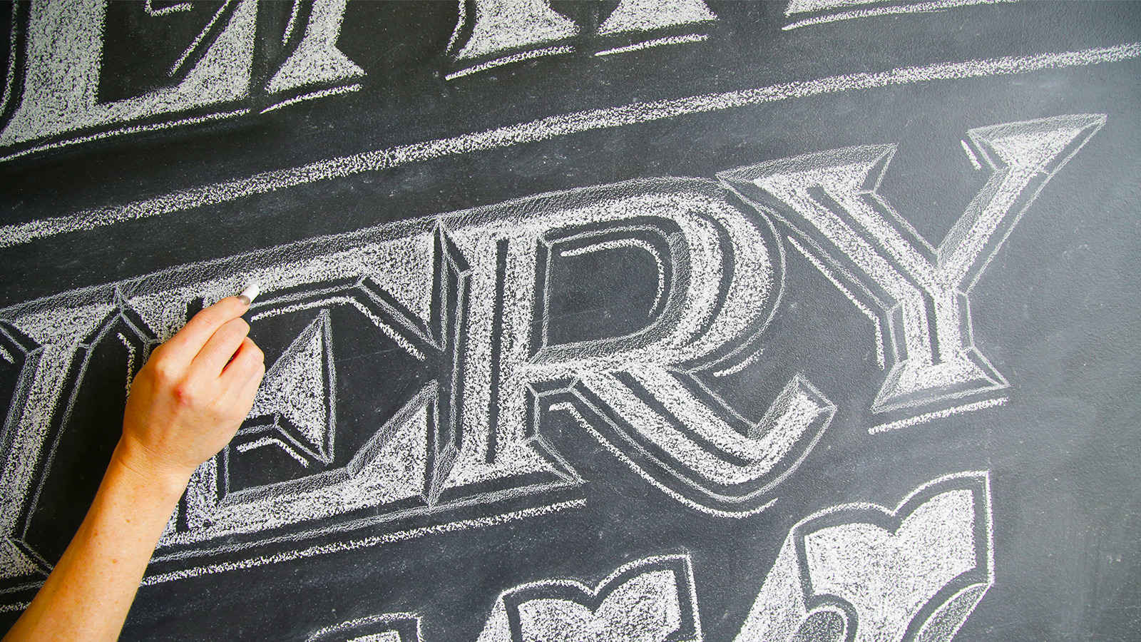 Чем расписать меловую доску – мелом или маркерами